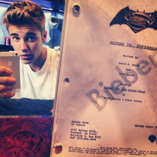 Justin Bieber Batman vs Superman b39022000aa80567_7
